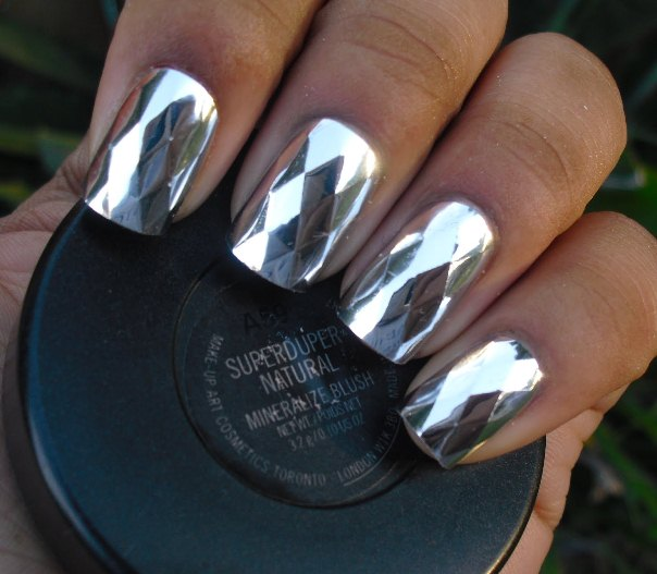 referral: http://coolnaildesigns.net/silver-nail-polish-2345/attachment/2365/